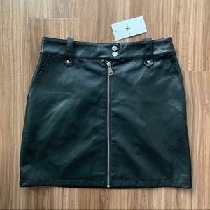 7 For All Mankind Faux Leather Skirt Size Large